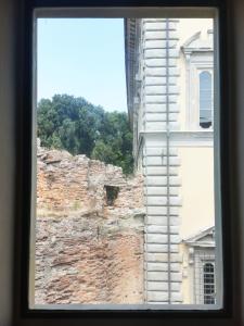 Palazzo Vitelli a Sant'Egidio visto da una finestra di Palazzo Albizzini Fondazione Burri