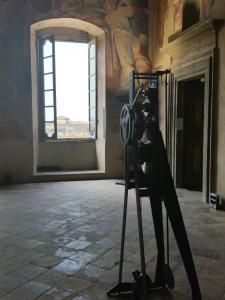 Salone delle Storie dei Vitelli: Bernhard Rudiger; Pendolo 06.08.1945 (2009)